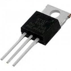 BT137/600 TRIAC  600V 8A